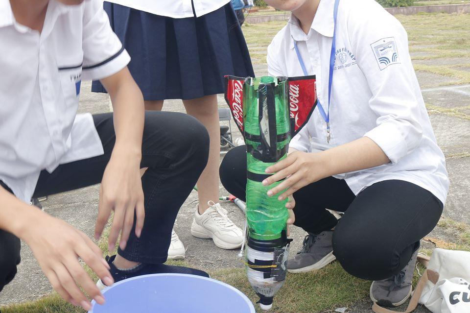 Tên lửa nước - Sức hút đến từ tinh thần khối chuyên