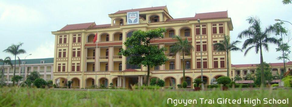 [Trực tiếp] - Hội nghị trường THPT chuyên Nguyễn Trãi thành lập Hội Cựu học sinh